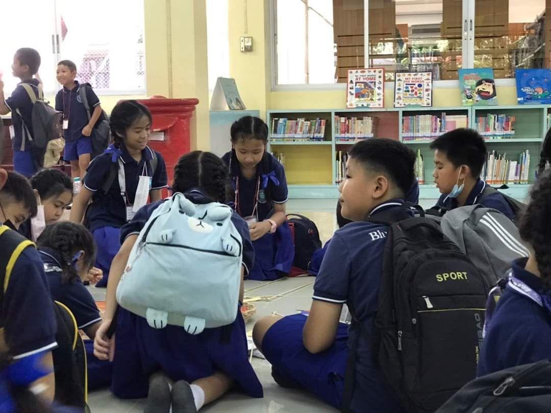 โรงเรียนฟ้าใส อำเภอฮอด จังหวัดเชียงใหม่  เข้าร่วมทำกิจกรรมว่าวจิ๋ว ณ ห้องหนังสือเยาวชน