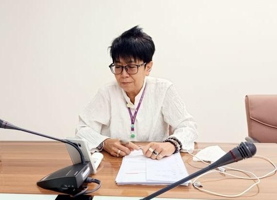 นางสาวนิธิวดี หอมแย้ม นักวิเทศสัมพันธืชำนาญการ เป็นตัวแทนจากกลุ่มแผนงานฯ เข้าร่วมประชุมทางไกล